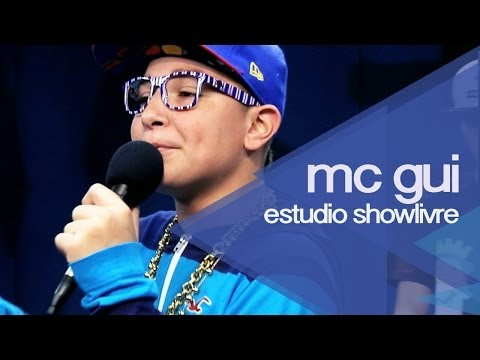 MC Gui dá uma previa do seu novo single Bibi no Estúdio Showlivre