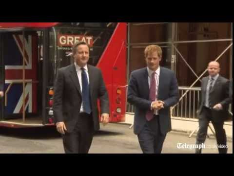 London bus for PM and Prince Harry&#039;s NY arrival