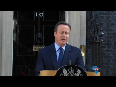 David Cameron issues his resignation