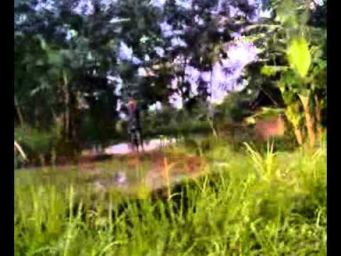 Cewe ABG bugil di taman