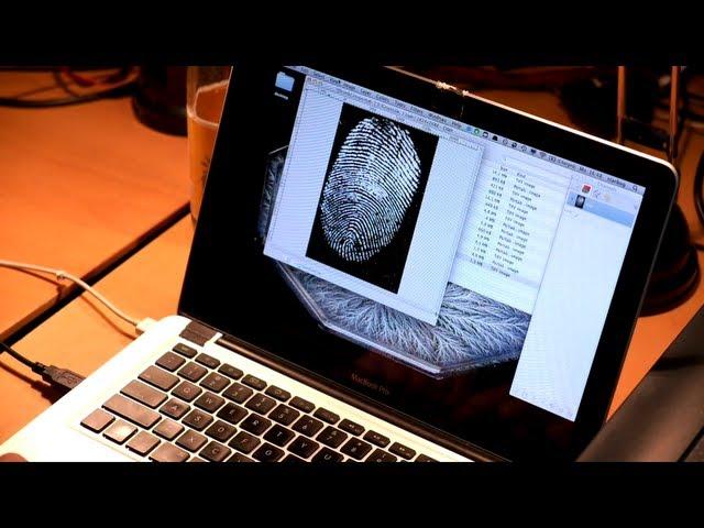 Хакер из Германии взламывает дактилоскопические сканеры. взлом дактилоскопи