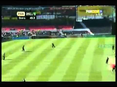 Shahid Afridi 65 Runs In 25  Balls Fastest Haif Century  In 19 Balls- 29 January 2011.flv video