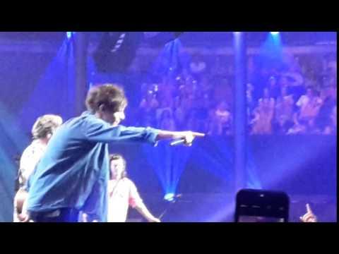 One Direction - Little Things (Scream it!) @ Apple Music Festival, London 22.9.2015