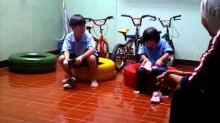 Irfan & Nazara lomba pakai sepatu
