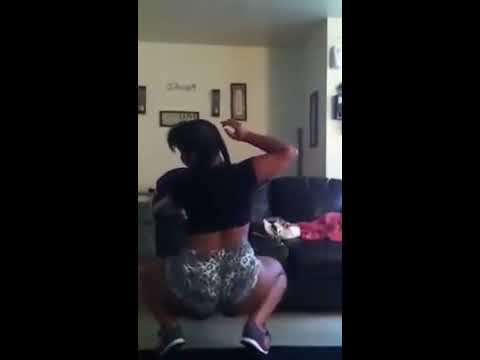 Thick girl twerkin