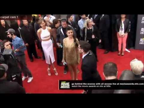 Selena Gomez at the MTV Movie Awards. RED CARPET thumbnail