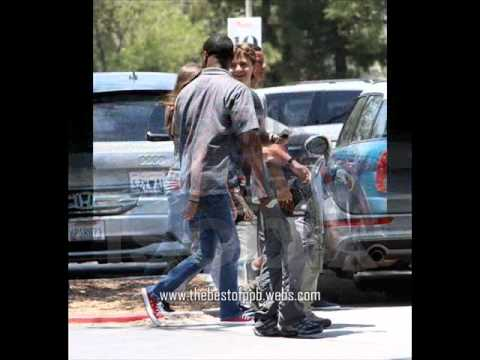 *NEW PHOTOS* (Jun. 23) Prince,Paris and Blanket Jackson at the movies 2011