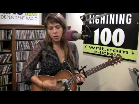 Serena Ryder - Sweeping the Ashes - Live at Lightning 100