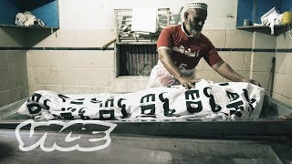Video: Collecting Corpses in Karachi, Pakistan (Edhi Foundation) - Vice News