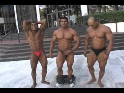 Mr Pakistan Hanif(Pappu), Adnan Abid(right) Posedown in Miami at Musclemania