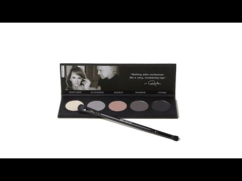 Reba Beauty Center Stage Eye Shadow Palette with Brush