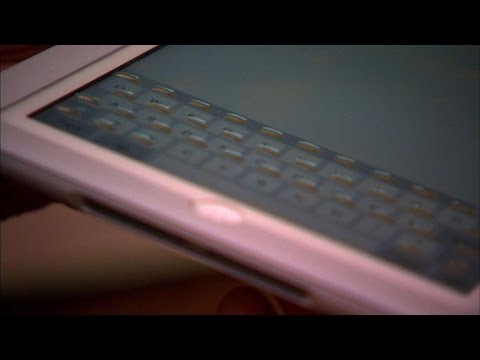 CNET News - Case turns touchscreen into keyboard that bubbles up
