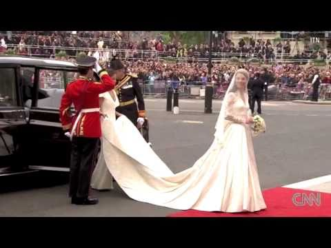 !!KATE MIDDLETON ARRIVES AT HER WEDDING!!