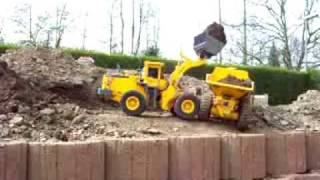 BIG RC CONSTRUCTION  MACHINES!  RC Komatsu WA 600-3 vs.RC Volvo A40D! RC LIVE ACTION TOYS!