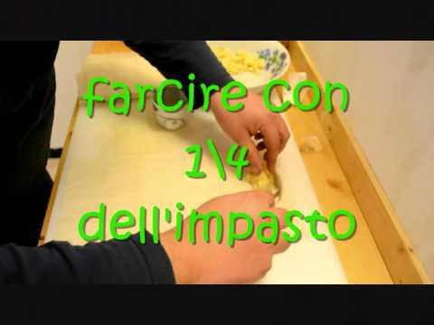 """Video ricetta: """"Mini-strudel di pasta Fillo con mele, pinoli e cannella"""" Blog www.aglioincamicia.com"""