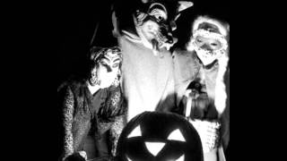 Louis Prima - Mr. Ghost Goes To Town (A Jazzy Halloween)