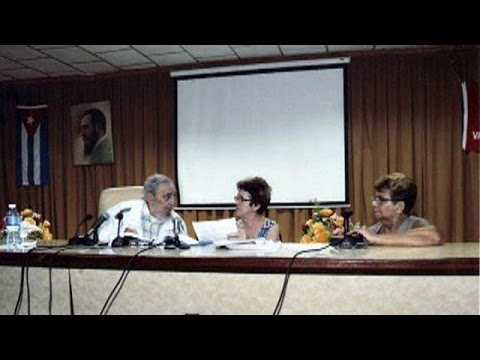 Cuba: Castro meets cheesemakers in rare public appearance