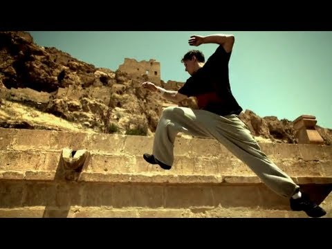 Ryan Doyle parkour in Mardin