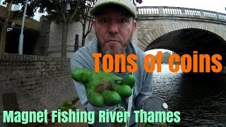 Magnet Fishing River Thames | Found a great new place with tons of coins