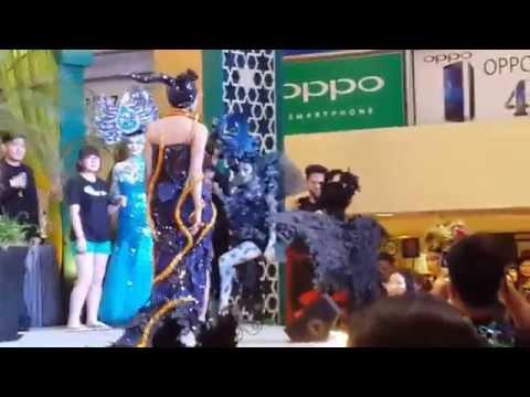 Desfile de moda alternativa y miss maquillaje en Kuala Lumpur