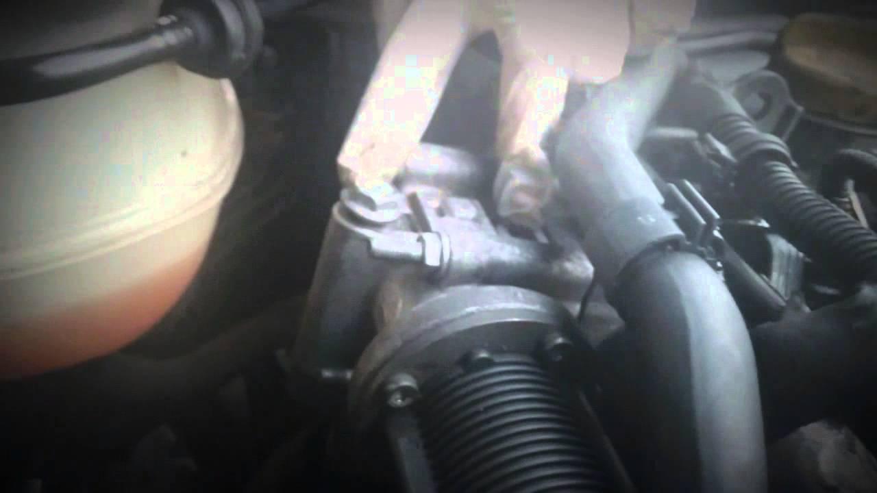 Vauxhall Opel Saab 1.9 cdti Fiat Alfa jtd EGR valve clean - YouTube