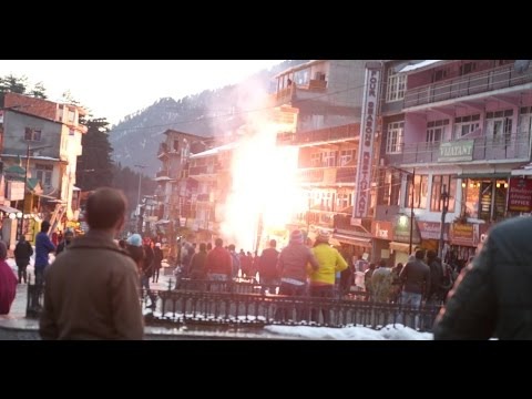 Deadly Short Circuit and Fire at Mall Road, Manali Himachal Pradesh due to Snow Fall on 6 Feb. 2015