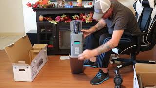 01. Video #2 of 2 Samsung Jet 75 Series and Samsung Cleaning Station unboxing and First impressions