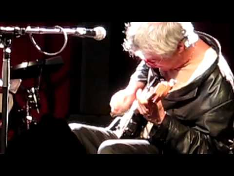 BREAD AND ROSES - Marc Ribot and Ceramic Dog - Brooklyn Bowl 12/13/11