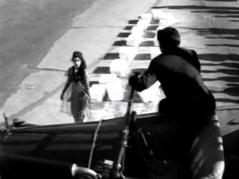 Mr. X in Bombay (1964) khoobsurat haseena jaan e jaan Kishore...