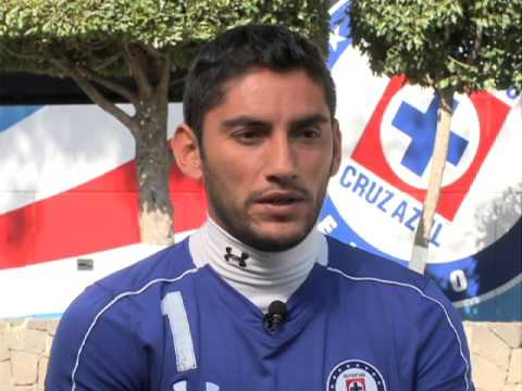 Víctor Valdés suena fuerte en Cruz Azul