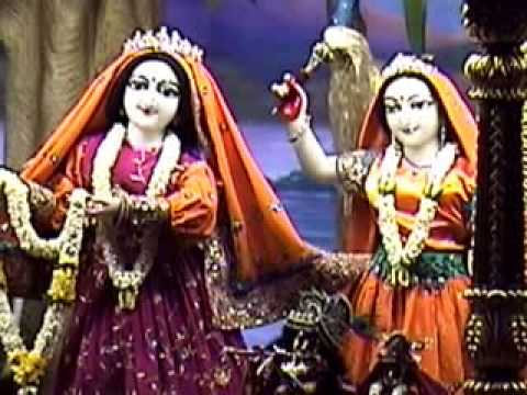 Mangala Arati Of Sri Sri Radha Gopinath, Iskcon Temple,chowpatty,mumbai;15th April. 2014 video