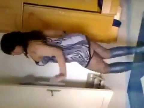 Sexy Arabic Dance رقص ملوكة المصرية بقميص النوم اغراء.flv video