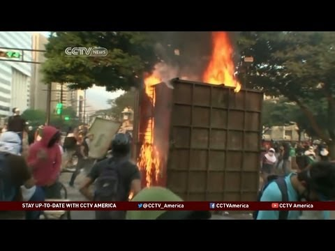 Protests in Venezuela Against Arrest of Opposition Mayors