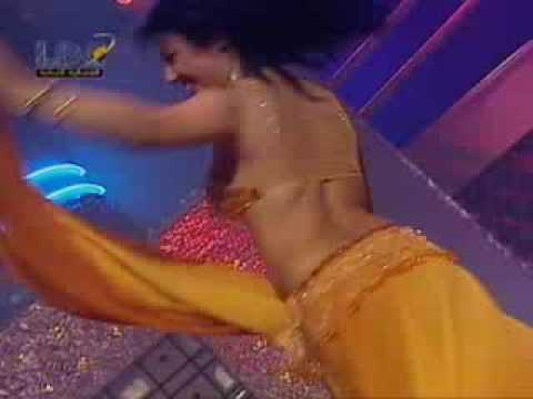 Arabian Lady Dancing In Arabian Tune. Arab Music. Lovely Arabian Dance video