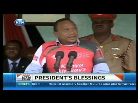 President Uhuru hands over flag to 7s team