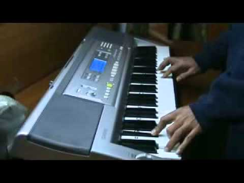 vaishnav jan to . on piano by mmv - bhajan by lata mangeshkar...