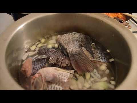 SOUPE de poisson Pimenté avec du riz recette ivoirienne