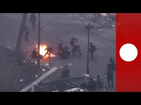 Unseen footage: Snipers fire at Maidan protesters during Kiev riots