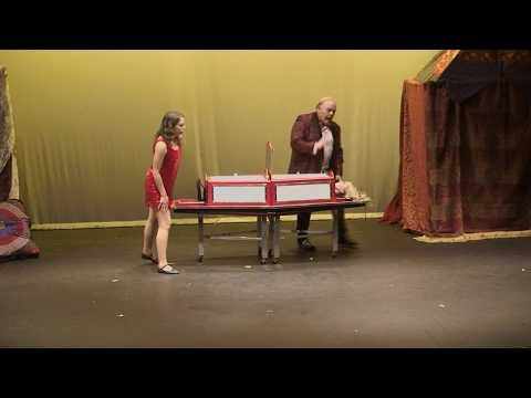 Thin Model Sawing Magician Michael Clayton thumbnail