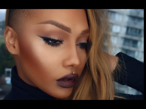 FALL KYLIE JENNER INSPIRED DARK LIP AND WINGED LINER