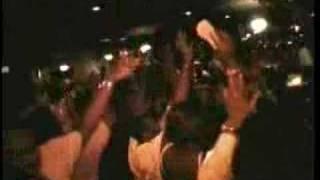 Djakout Mizik - La Familia