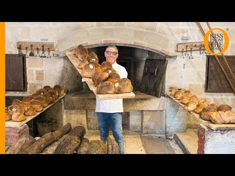 Bread recipes: how to make bread the Altamura way. It's authentic Italian bread!