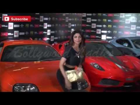 Shilpa Shetty Adjusting Tight Pant at Premier of 'Fast & Furious 7'