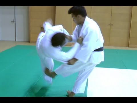 Judo - Hiza Guruma -  Image 1