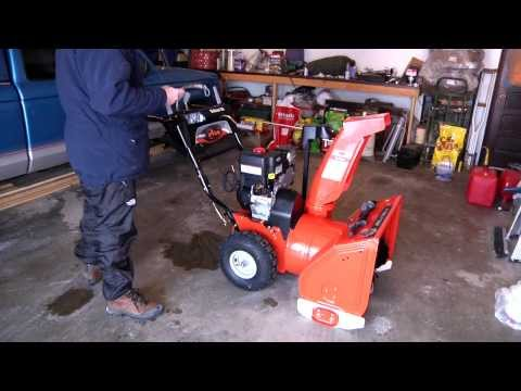 Ariens 921031 (2012) Deluxe ST24LE 24