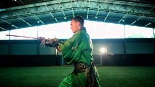 Video: Thomas Vermaelen hóa thân thành võ sỹ thiếu lâm quảng cáo cho Tour du đấu mùa hè của Asenal