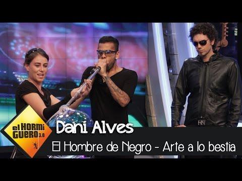 Dani Alves moldea un balón de cristal en 'El Hormiguero 3.0'