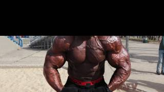 8 Ways to Tell if Someone is on Steroids