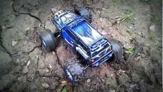 Traxxas Summit. Differential locking demo