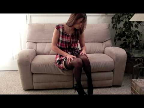 Jessica plays with her stockings, legs, garter & heels